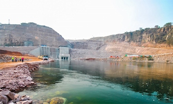 Construction of the hydroelectric power plant Lauca at the Kwanza river in Angola. (Image: Putzmeister)