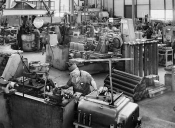 Pump Factory Egger in Switzerland in the mid 50ies (Image: Emile Egger & Cie SA)