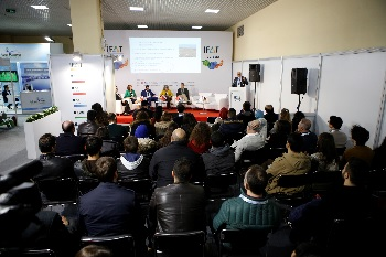 Expert presentations, workshops and panel discussions: Various program items accompany the exhibition. (Image: IFAT Eurasia)