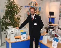 Sulzer's Global Marketing Manager Redvers Paley with pumps of the OH product family