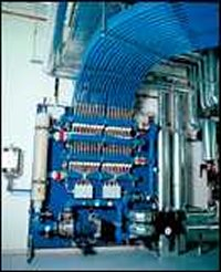 Close-coupled stainless steel pumps with regulation systems for chilled ceilings