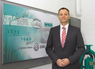 Belegschaft und Vorstand von Wilo heißen neuen Werksleiter willkommen