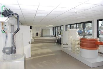Jung Pumpen erweitert Trainingcenter und das Seminarprogramm für 2013