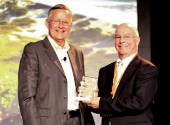 International Exposition Company Honored as the Recipient of the AHRI 2013 Public Service Award