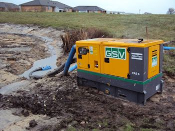Diesel-driven PAS 6 Pump from Atlas Copco Helps Empty and Clean Lake
