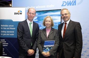 DVGW und DWA übergeben Forschungsmemorandum an Bundesforschungsministerin Prof. Dr. Johanna Wanka