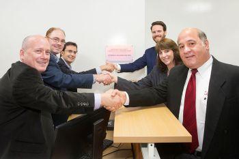 Einweihung eines Leybold Konferenz- und Empfangsraums an der Carnegie Mellon University Nanofabrication Facility