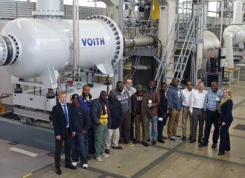 Capacity Building in Afrika: Voith vermittelt Menschen vor Ort Fachwissen zu Wasserkrafttechnologie