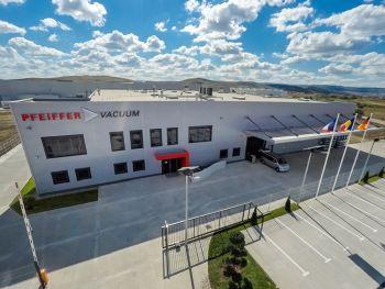 Pfeiffer Vacuum eröffnet neuen Hightech-Produktionsstandort in Rumänien