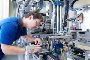 Rheinmetall Automotive liefert Pumpen für Elektrofahrzeuge