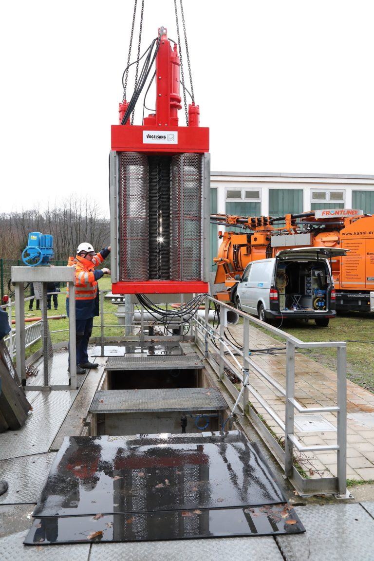 Ruhrverband uses shredding solution from Vogelsang in large sewer