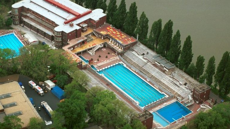 National swimming complex in Budapest gets emergency pumping solution from Xylem