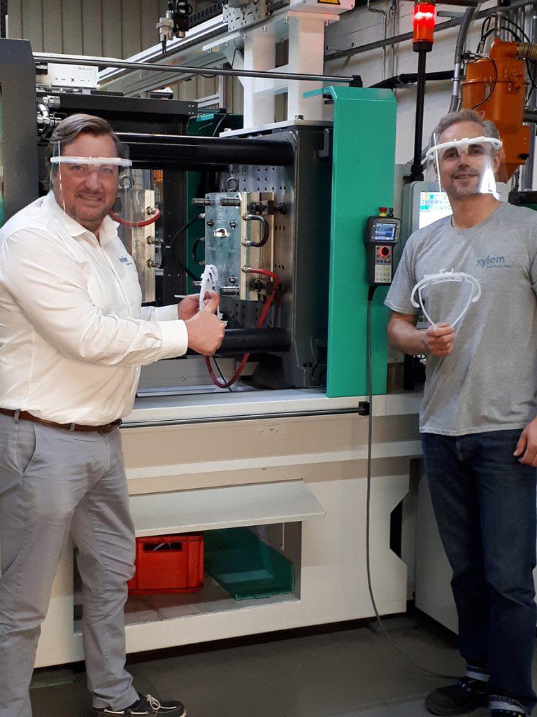 Xylem fertigt Schutz-Visiere für lokale Einrichtungen am Wasserzähler-Standort Sensus in Ludwigshafen