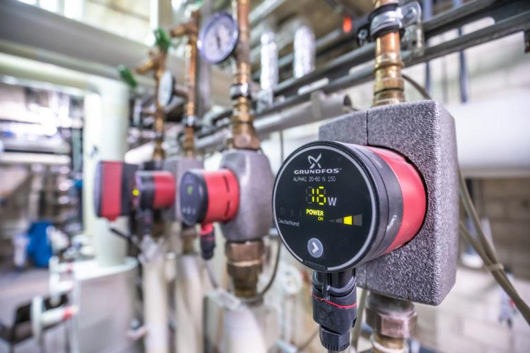 Neue hocheffiziente Pumpen in der Caritas-Klinik Pankow sparen Energie und Kosten