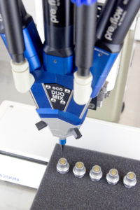 Miniatur-Steckverbinder Verguss: Hochpräzise Dosierung für absolute Prozesssicherheit