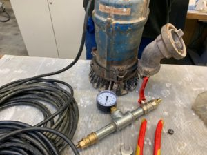 Pump Maintenance: Quick Check of the Oil Chamber