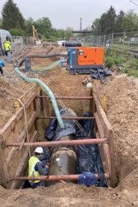 Entwässerungspumpe rettet termingerechten Austausch von Trinkwasser-Transportleitung