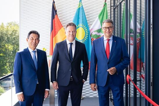 Oliver Hermes neuer Honorarkonsul der Republik Kasachstan