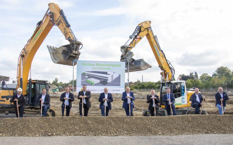 Grünbeck: Spatenstich des neuen Logistikzentrums für die Warenannahme